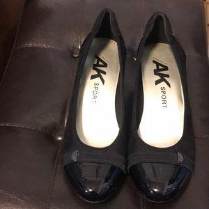 Anne Klein sport black heels size 8M